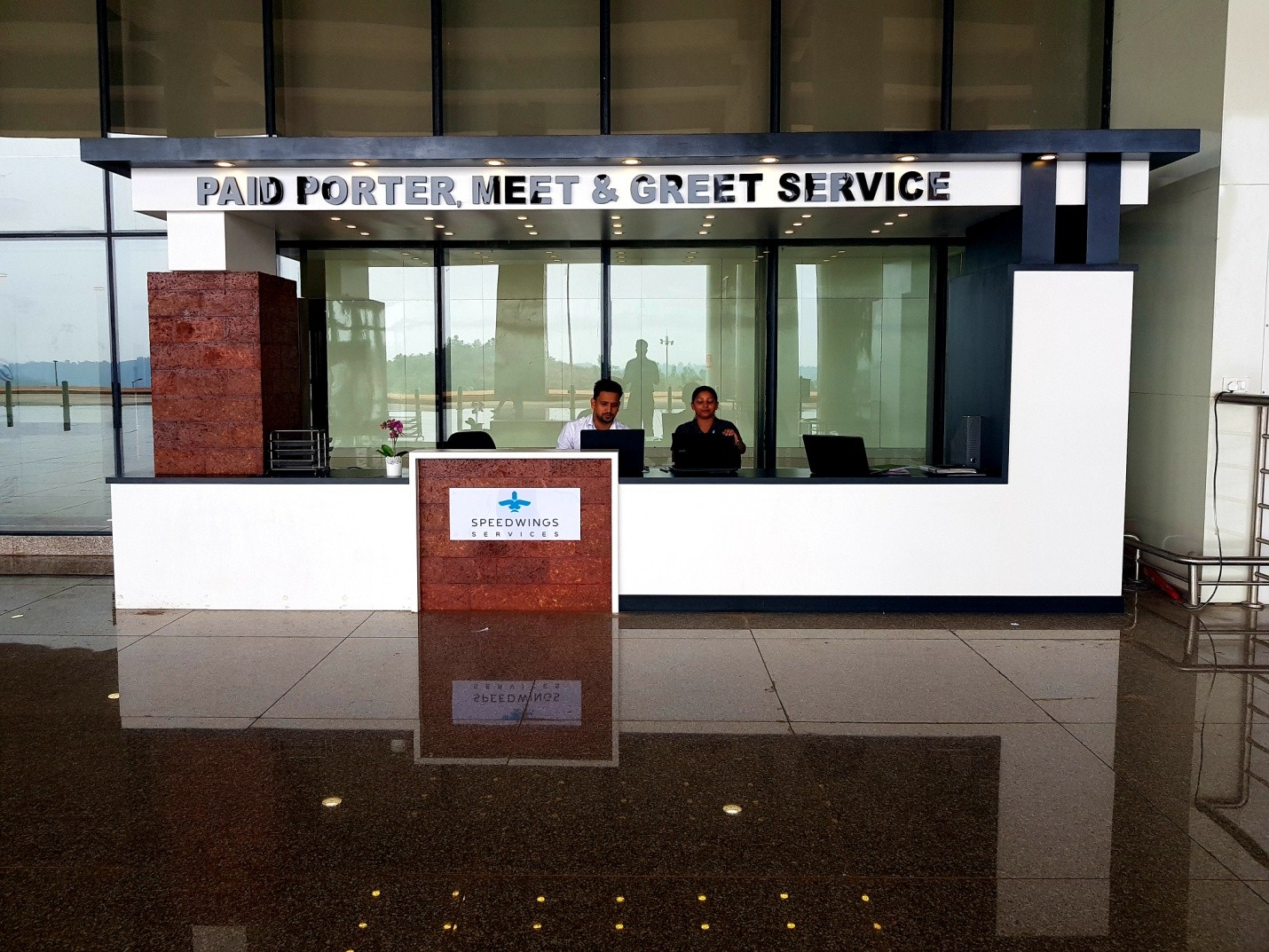 Paid Porter Meet and Greet Services Arrival